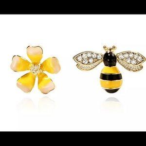 Bee& Flower Earrings 🐝🌼